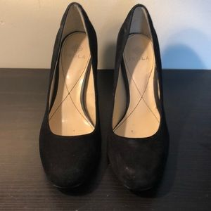 Black suede round toe block heel